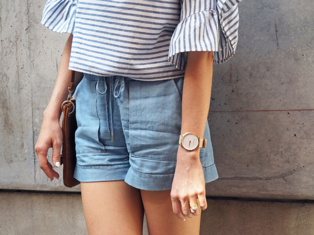 Flared sleeve chambray shorts
